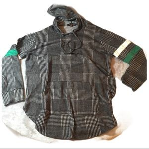 ALMOST FAMOUS Checkered Hoodie